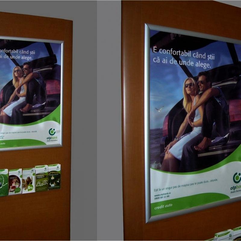 display-uri-pentru-pliante-flyere-brosuri-etc_45